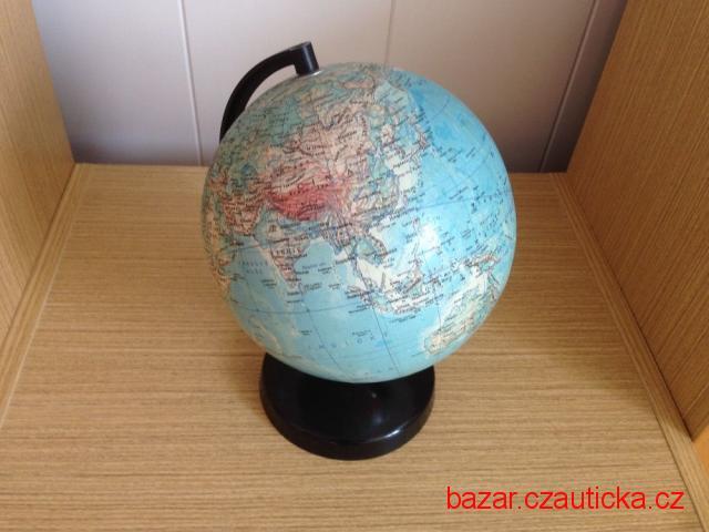 zeměpisný globus