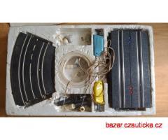 Autodráha MC Laren - Krabice